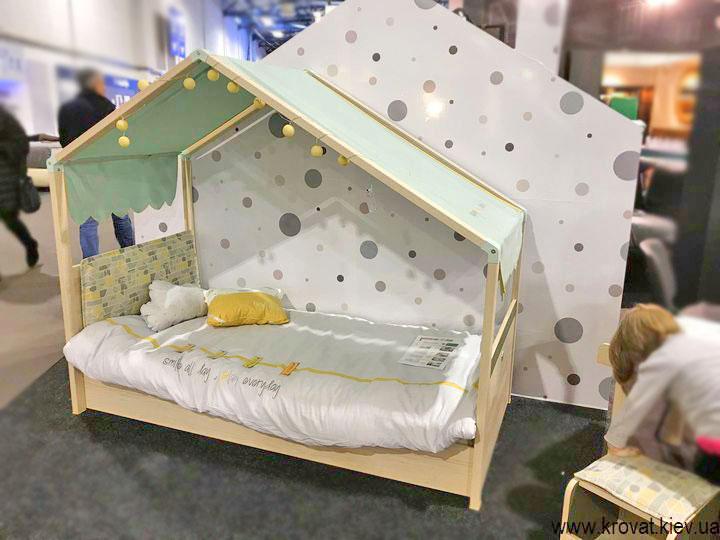 дитяче ліжечко в спальню