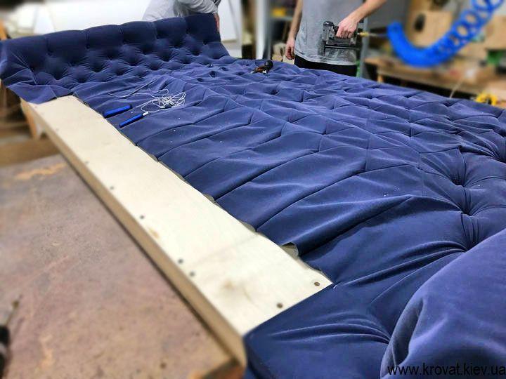 виготовлення ліжок з напівкруглим узголів'ям на замовлення