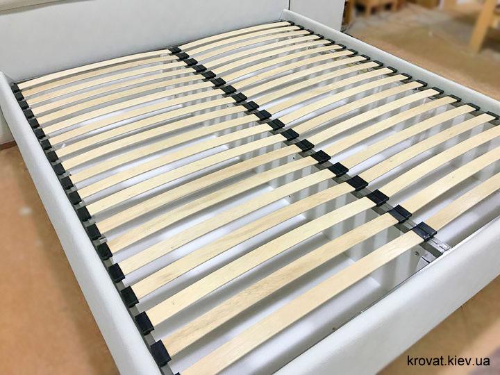 высокая кровать с мягким изголовьем на заказ