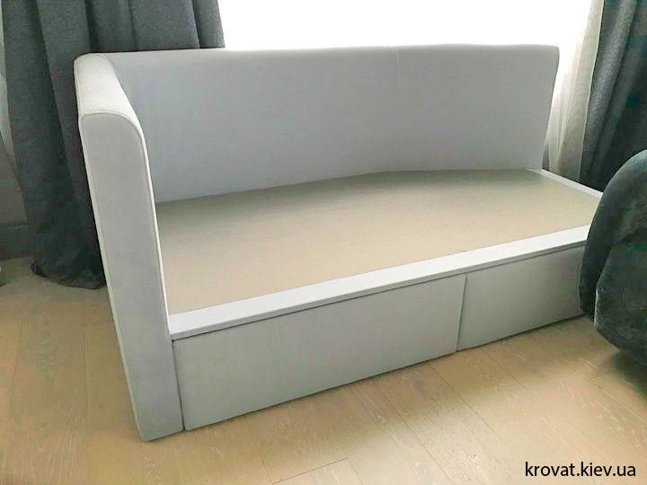 дитяче ліжко в інтер'єрі спальні