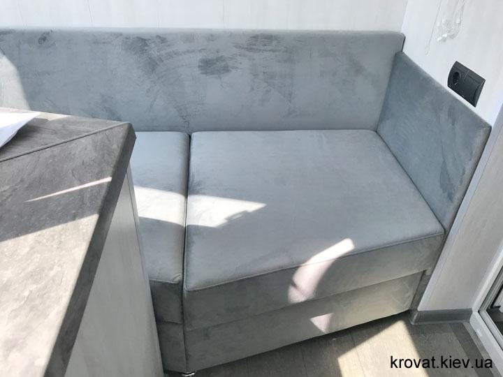 встроенный диван на балкон на заказ