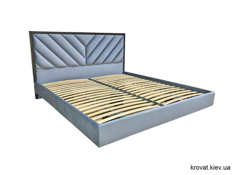 ліжко в повітрі