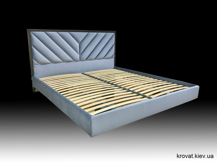 ліжко ширяюче над підлогою