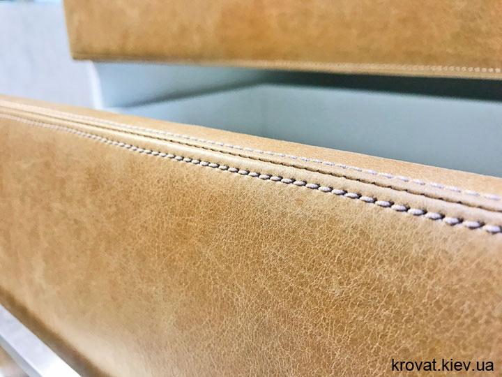 шкаф пенал с фасадами из кожи на заказ