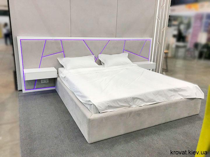 ліжко з підсвічуванням узголів'я