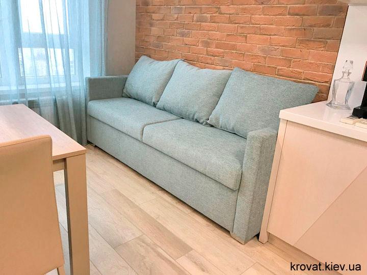 прямой диван на кухню в интерьере