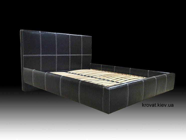 ліжка в повітрі над підлогою
