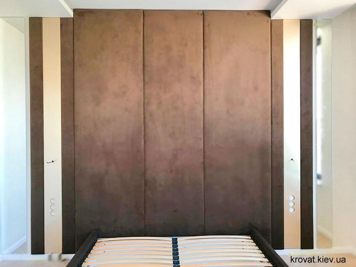 кровать с мягкими панелями
