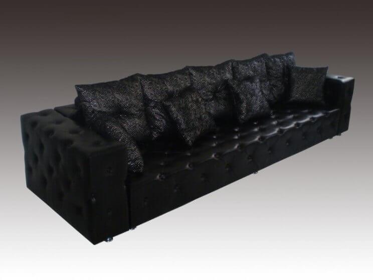 прямой диван с утяжками