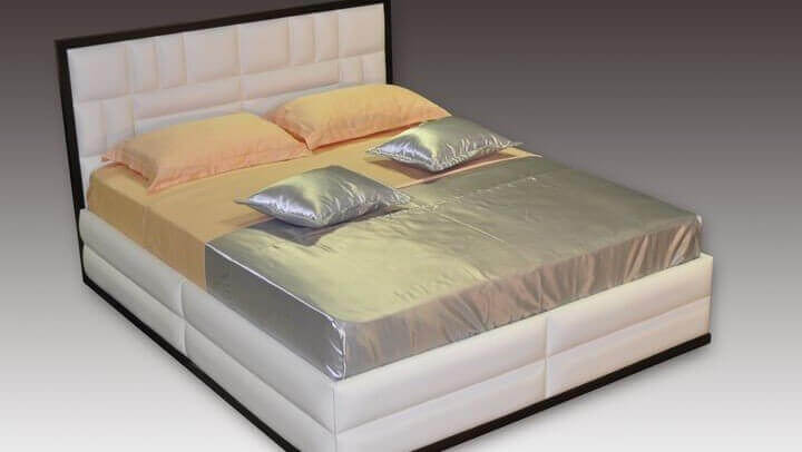 черно-белая кровать
